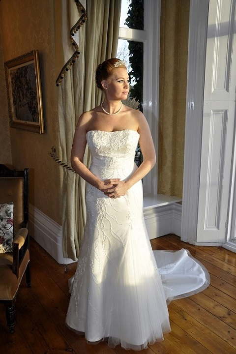 Bridal re dress wakes colne colchester pawn shop opening for Pawn shops that buy wedding dresses
