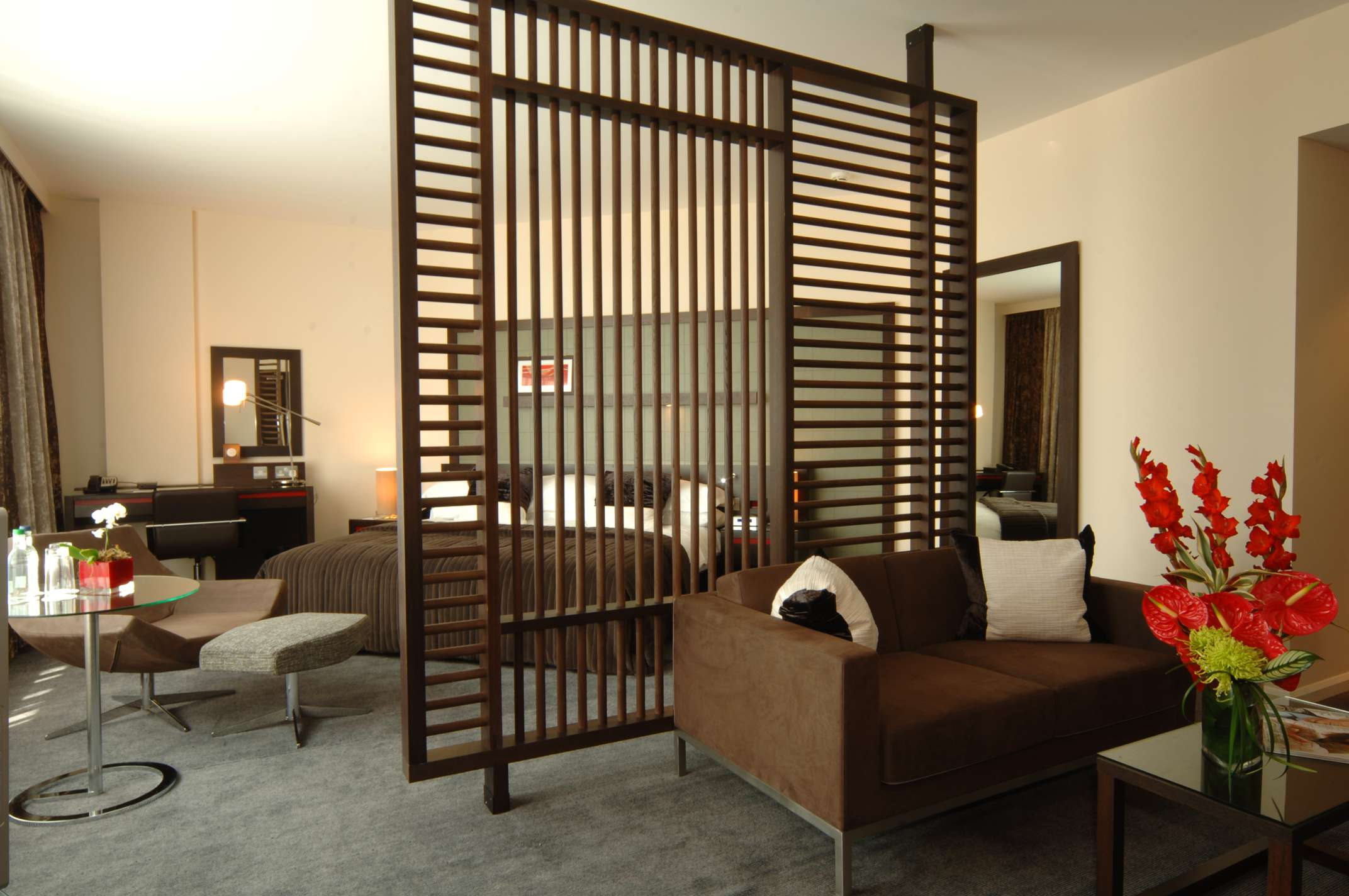 hilton london canary wharf london hotel opening times and. Black Bedroom Furniture Sets. Home Design Ideas