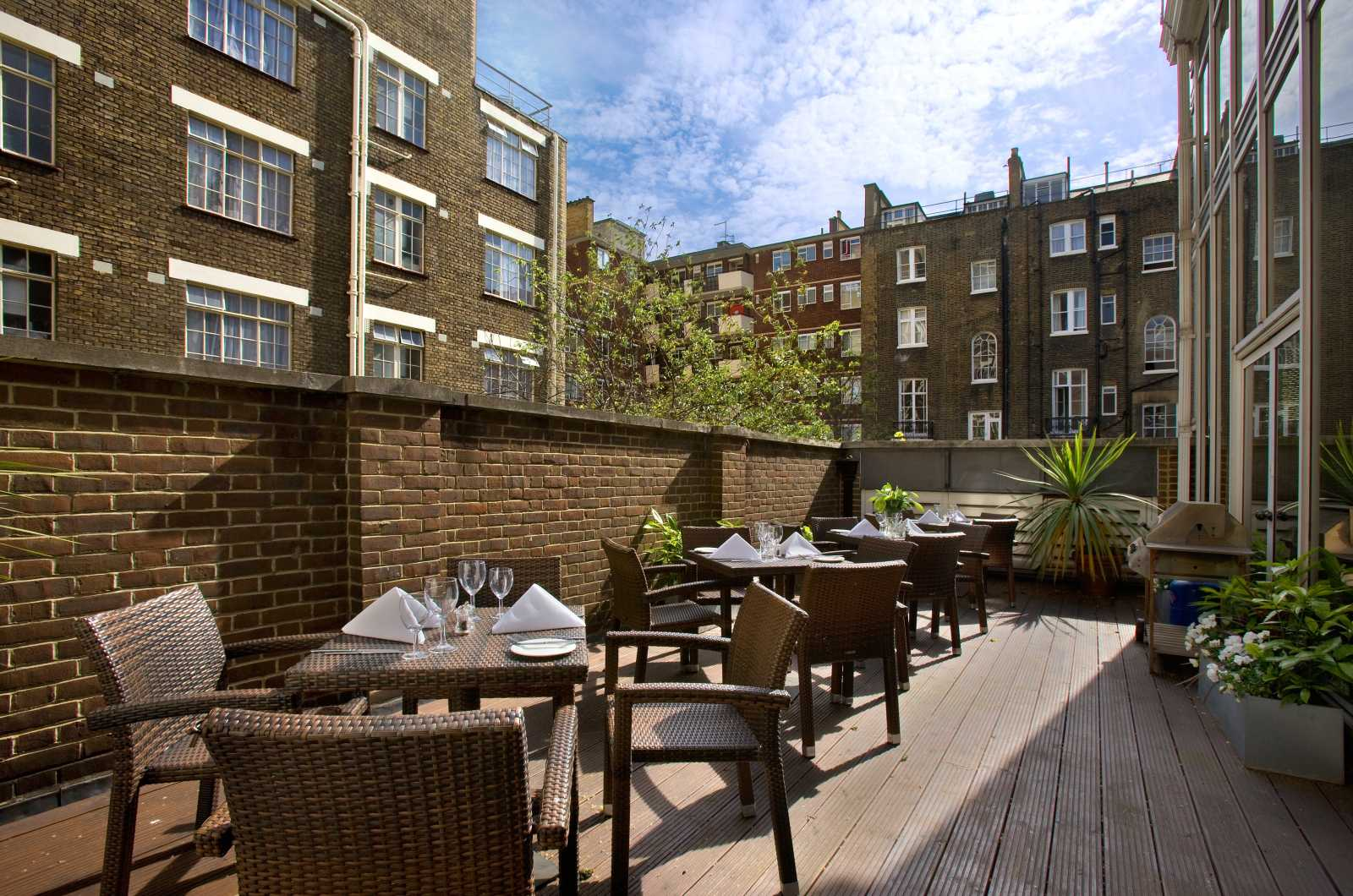 Hotels near Euston Station - Hilton London Euston