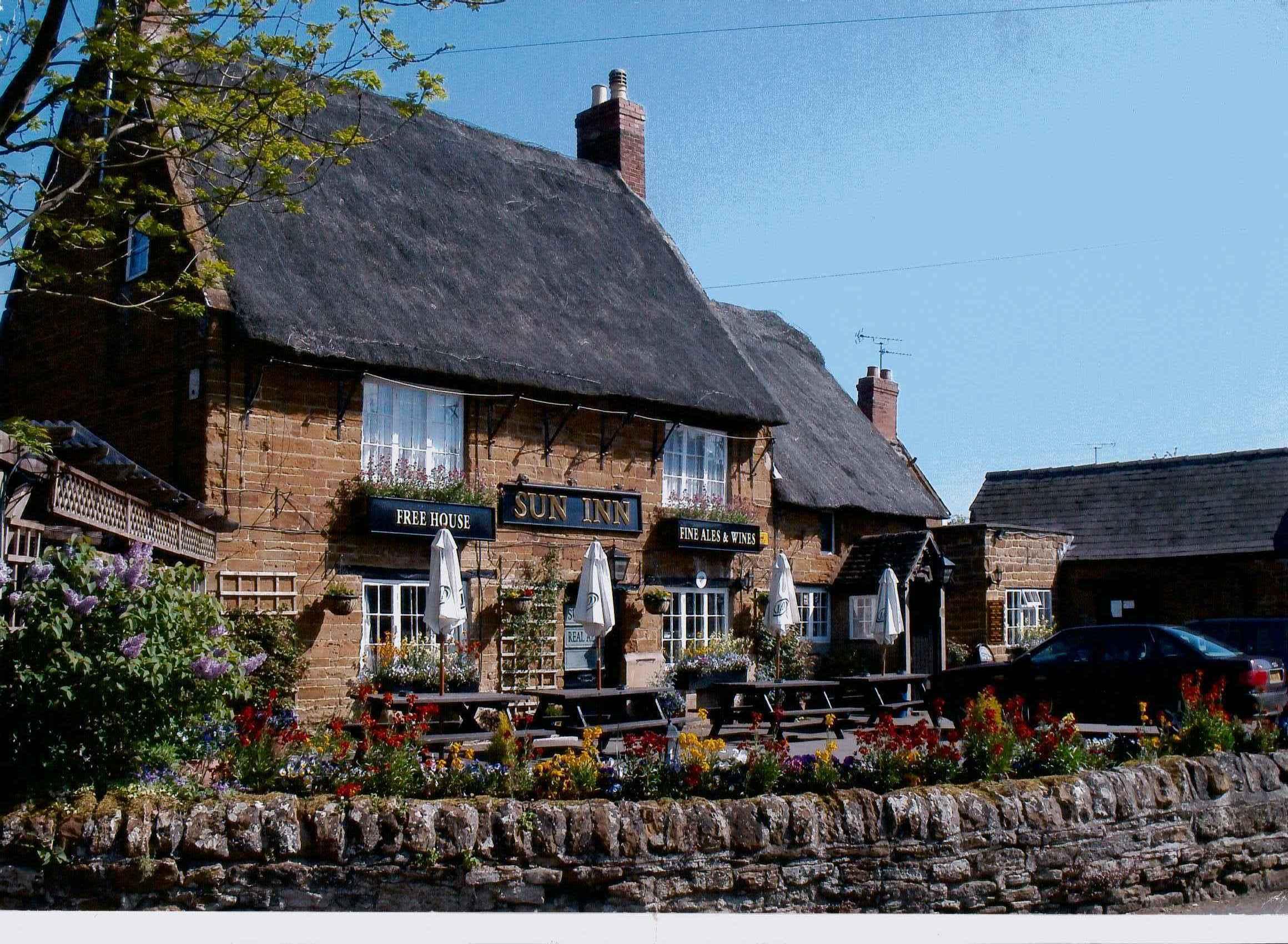 black bottom pubs in northampton jpg 1080x810