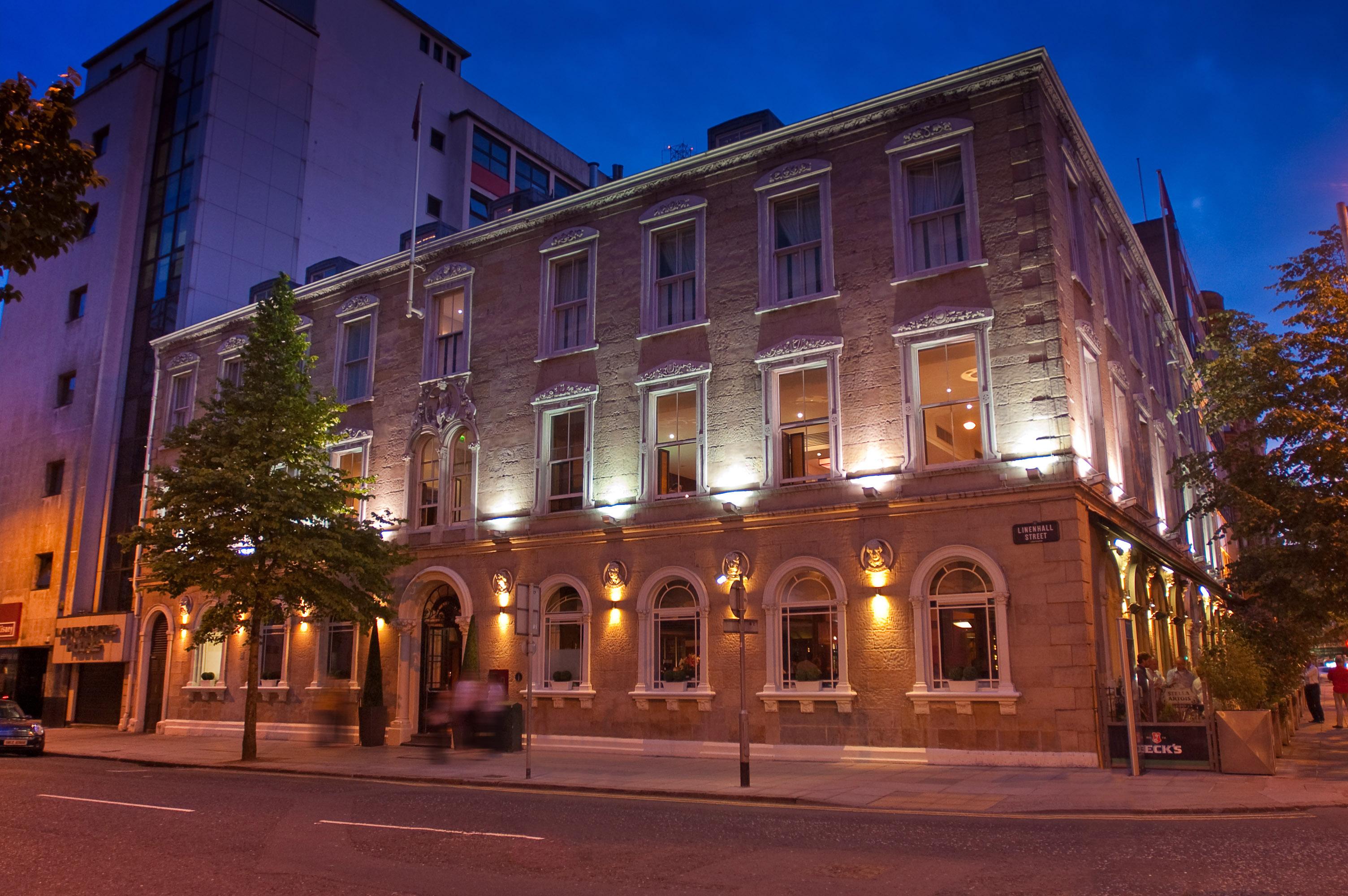 Hotels Near Victoria Square Belfast